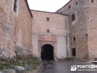 Villa de Pedraza y el Cañón del Río Cega; senderismo en teruel